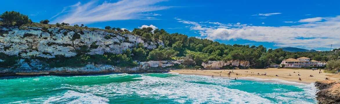 Calas De Mallorca Holidays