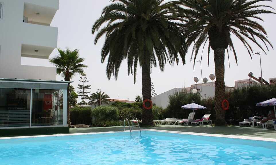 Roca Verde Apartments Playa Del Ingles Gran Canaria On The Beach