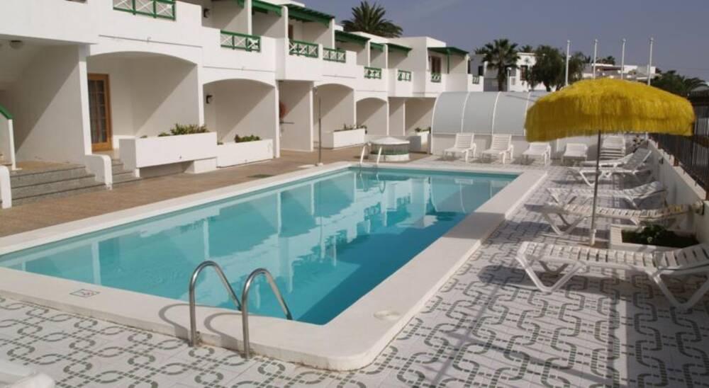 Apartments isabel puerto del carmen lanzarote on the - Apartamentos baratos en lanzarote puerto del carmen ...