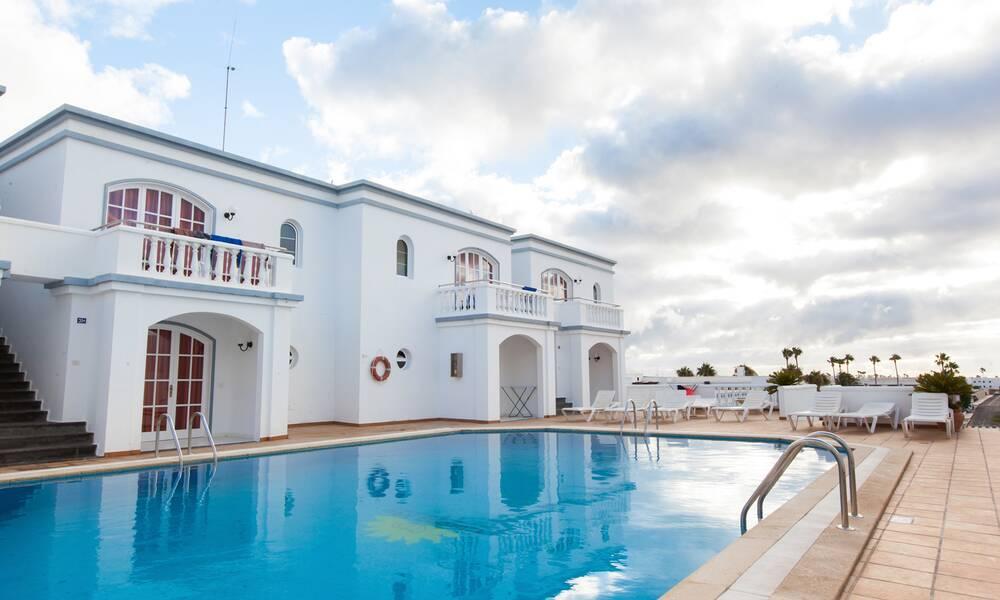 Corona mar puerto del carmen lanzarote on the beach - Cheap hotels lanzarote puerto del carmen ...