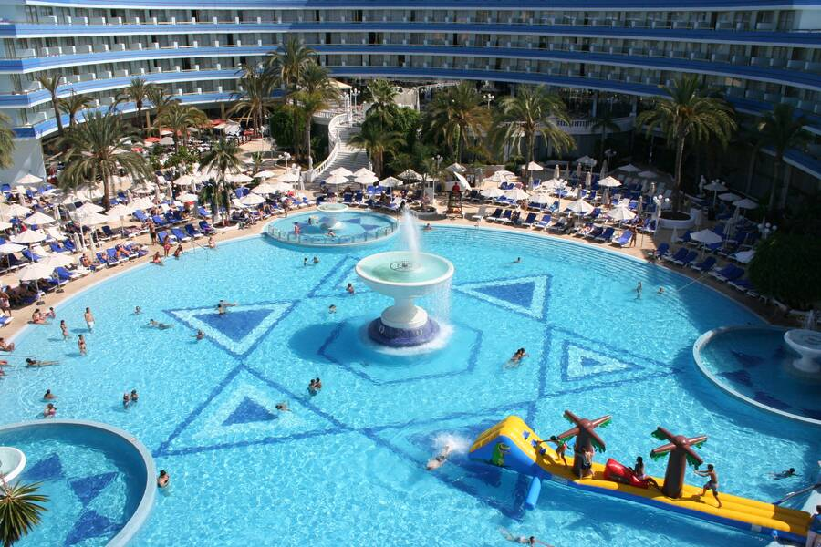 Mediterranean Palace Hotel  Playa De Las Americas. Hotsson Hotel Leon. MyPond Hotel. Villa Elizabeta Hotel. Aparthotel Ederhof. Shangri-La's Rasa Sayang Resort And Spa. Portobello House Hotel. Suite Hotel Praia Verde. Graves 601 Hotel
