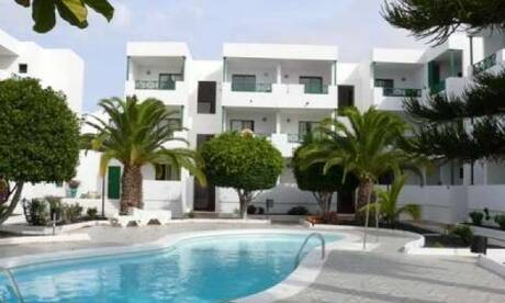 Los-carmenes-apartments