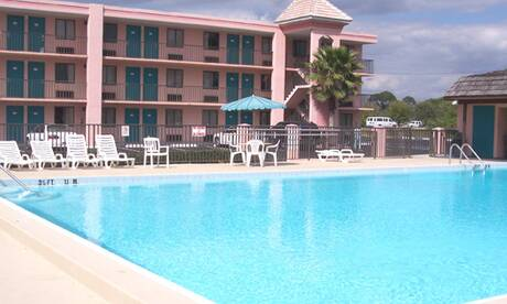 Continental-plaza-hotel-kissimmee