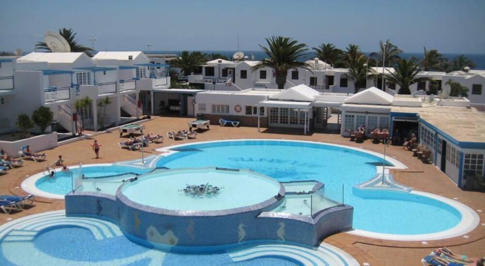 Atlantis las lomas puerto del carmen lanzarote on the beach - Port del carmen lanzarote ...