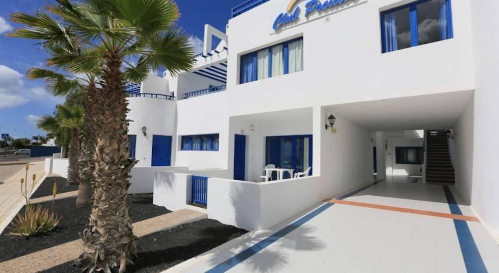 Apartamentos club pocillos in puerto del carmen lanzarote on the beach - Port del carmen lanzarote ...