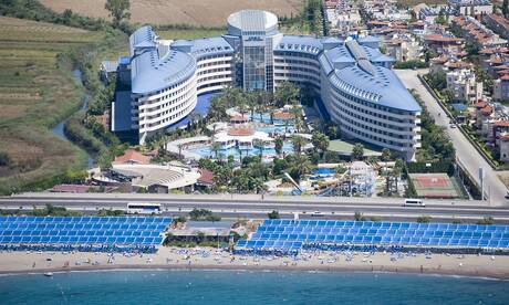 Crystal-admiral-resort