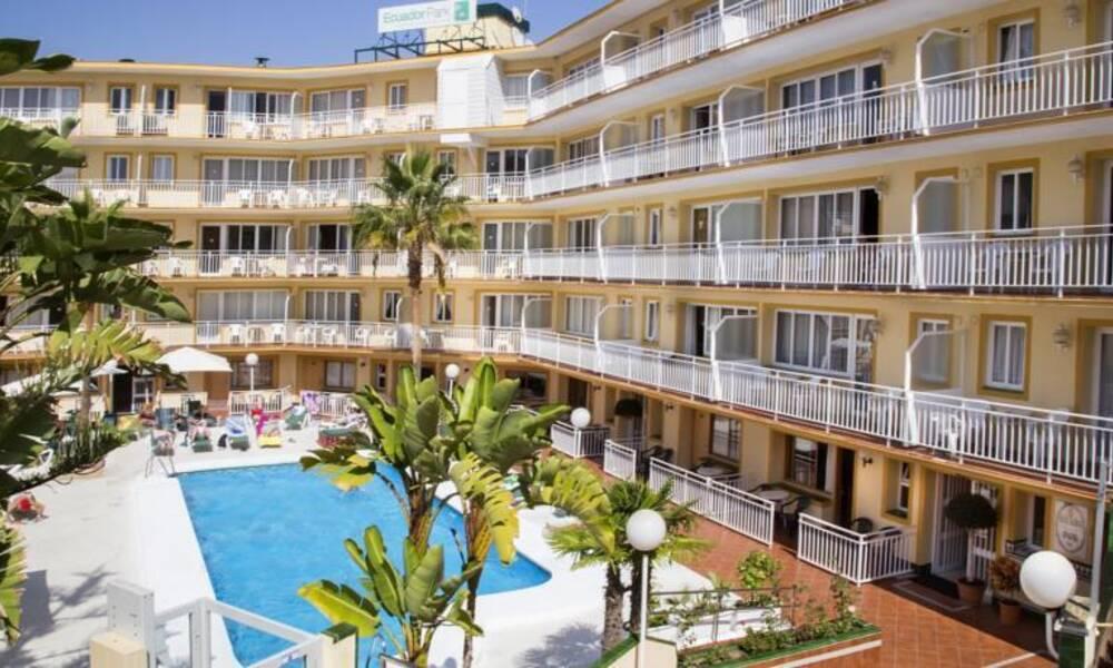 Ecuador park torremolinos costa del sol on the beach for Hotel luxury costa del sol torremolinos