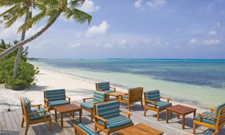 J resort handhufushi