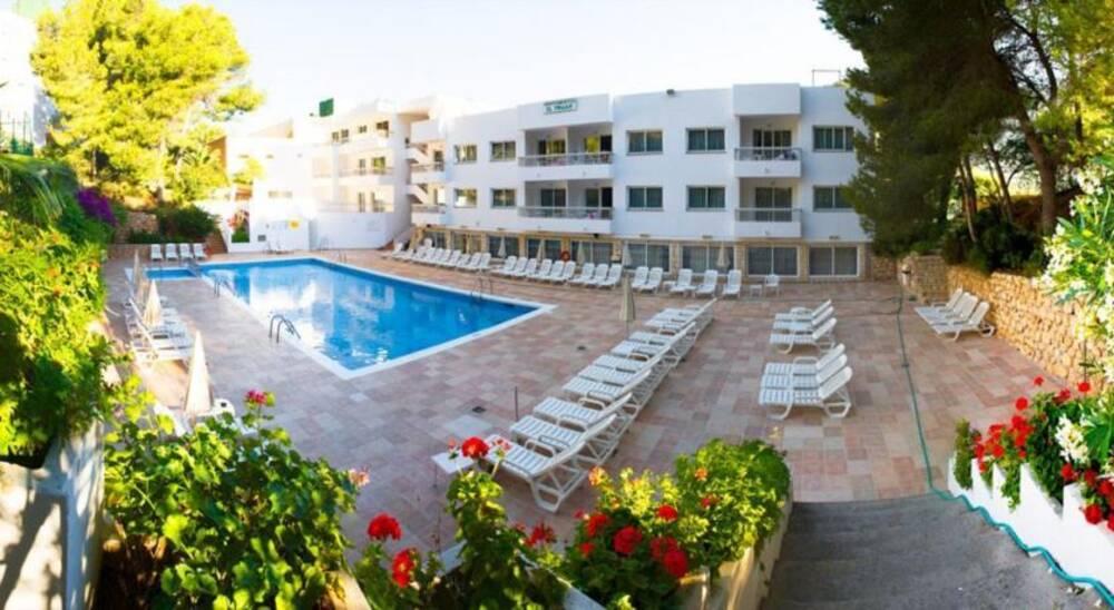 El pinar cala llonga ibiza on the beach - Hotel apartamentos el puerto ibiza ...