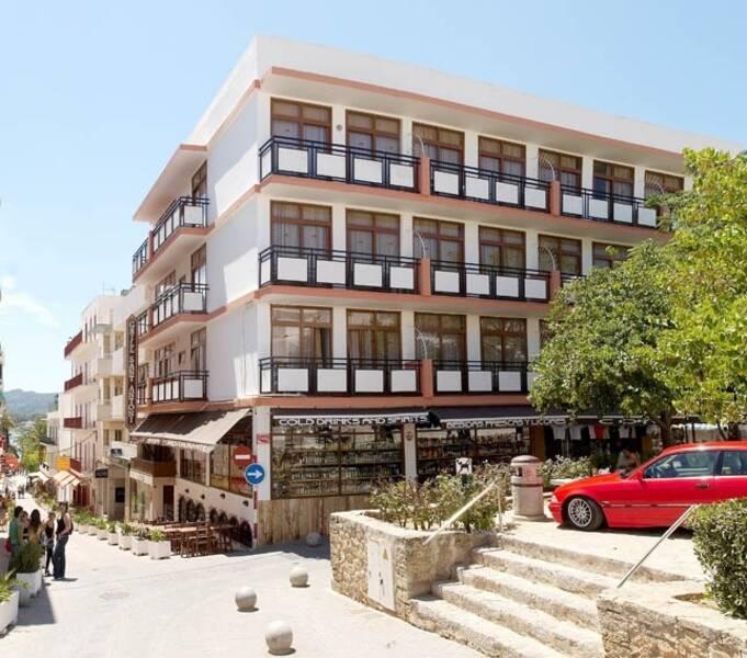 San Montego Apartments: Tramuntana Apartments - San Antonio, Ibiza