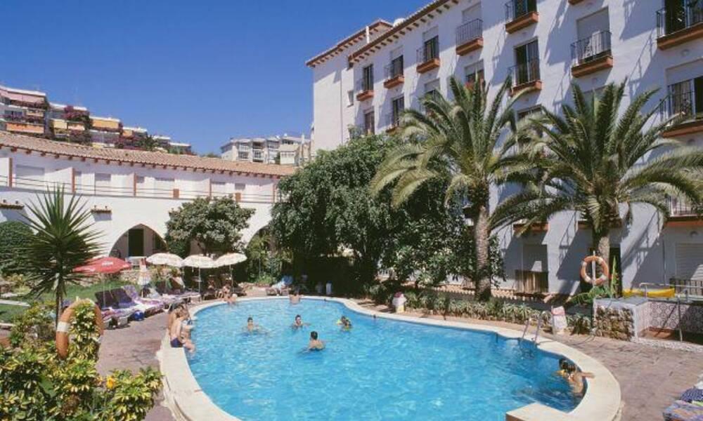 Lloyd torremolinos costa del sol on the beach for Hotel luxury costa del sol torremolinos
