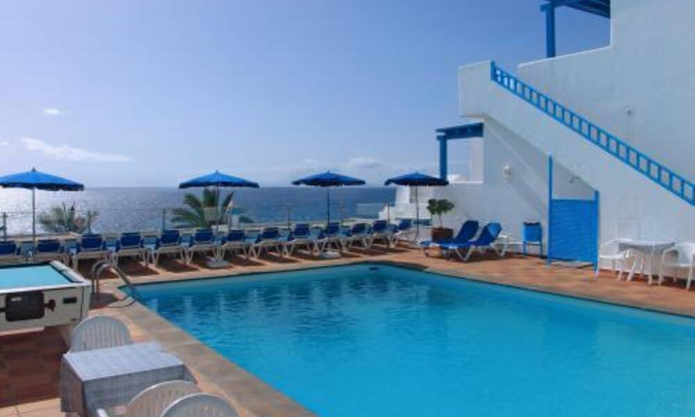 Agua marina apartments puerto del carmen lanzarote on the beach - Cheap hotels lanzarote puerto del carmen ...