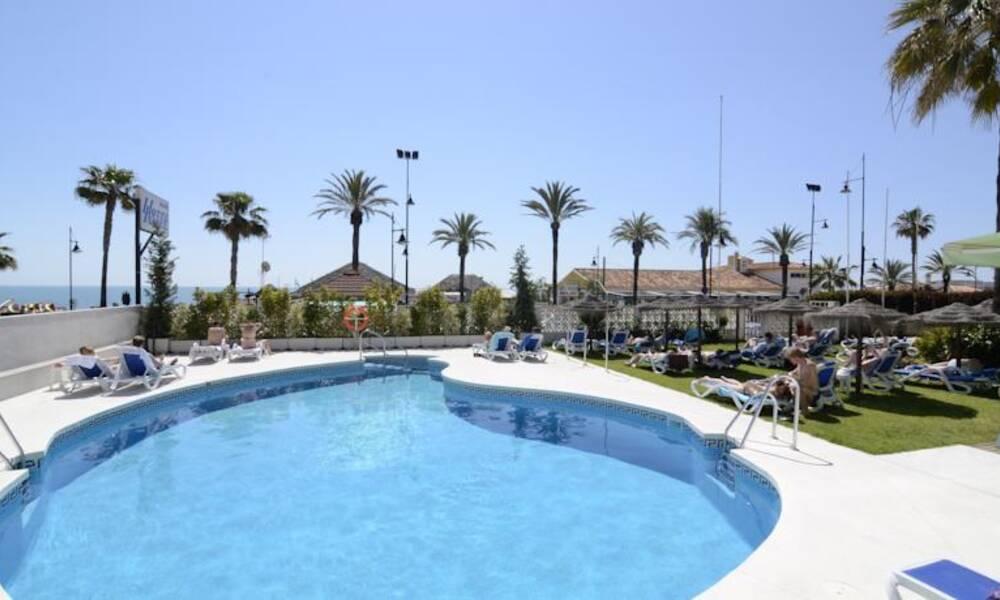Isabel torremolinos costa del sol on the beach for Hotel luxury costa del sol torremolinos