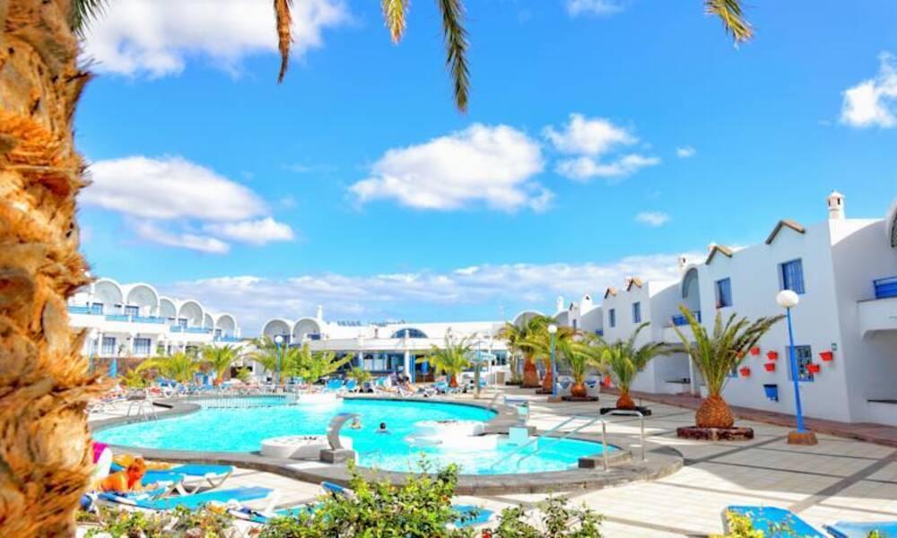 Aparthotel puerto carmen puerto del carmen lanzarote on the beach - Cheap hotels lanzarote puerto del carmen ...