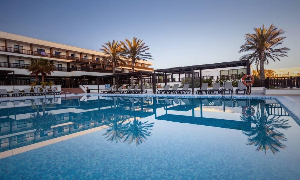 Barcelo cabo de gata retamar costa de almeria on the beach - Hotel barcelo en cabo de gata ...