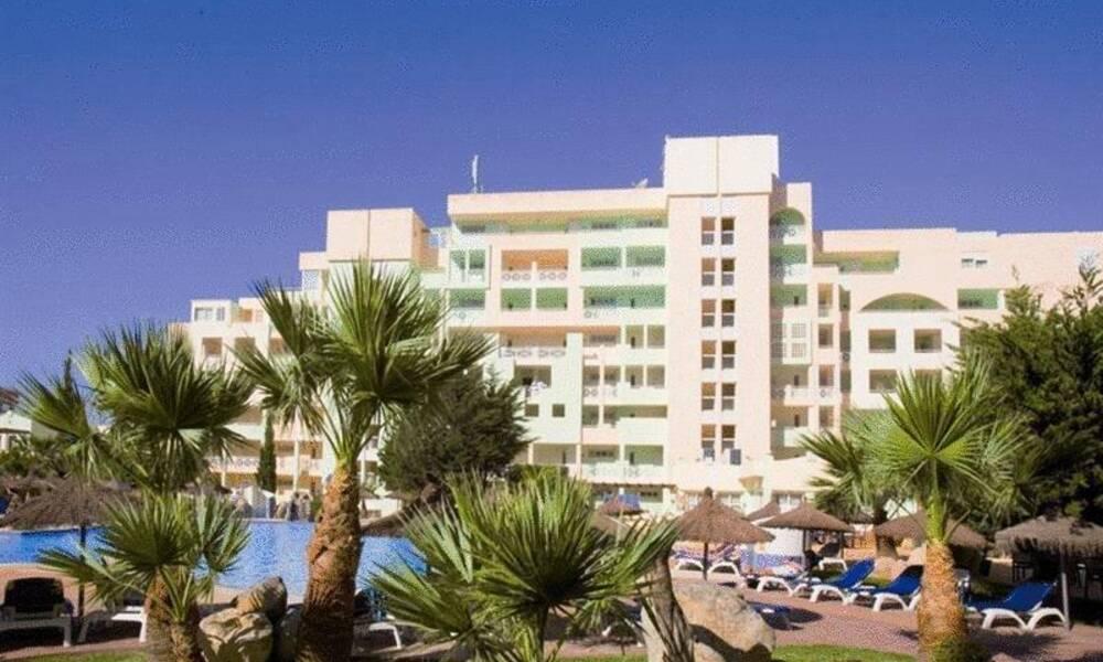 Fenix beach apartamentos roquetas de mar costa de almeria on the beach - Apartamentos almeria ...