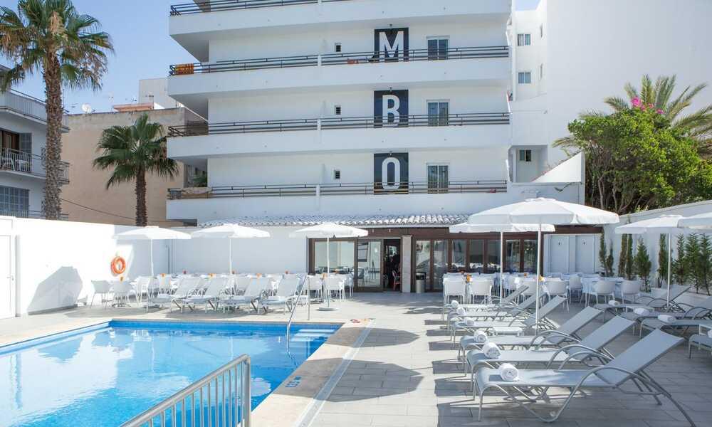 Mix Colombo S Illot Majorca On The Beach