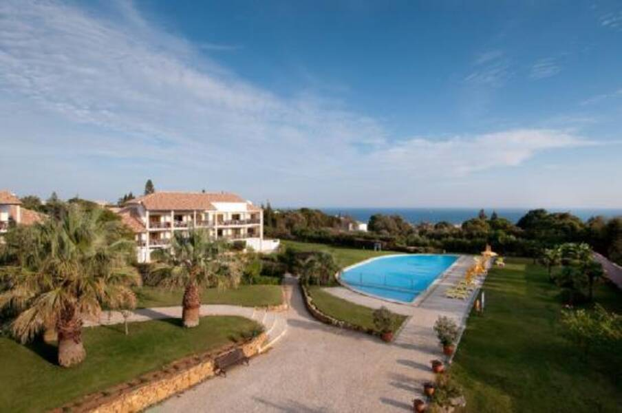 Praia De Luz Hotels