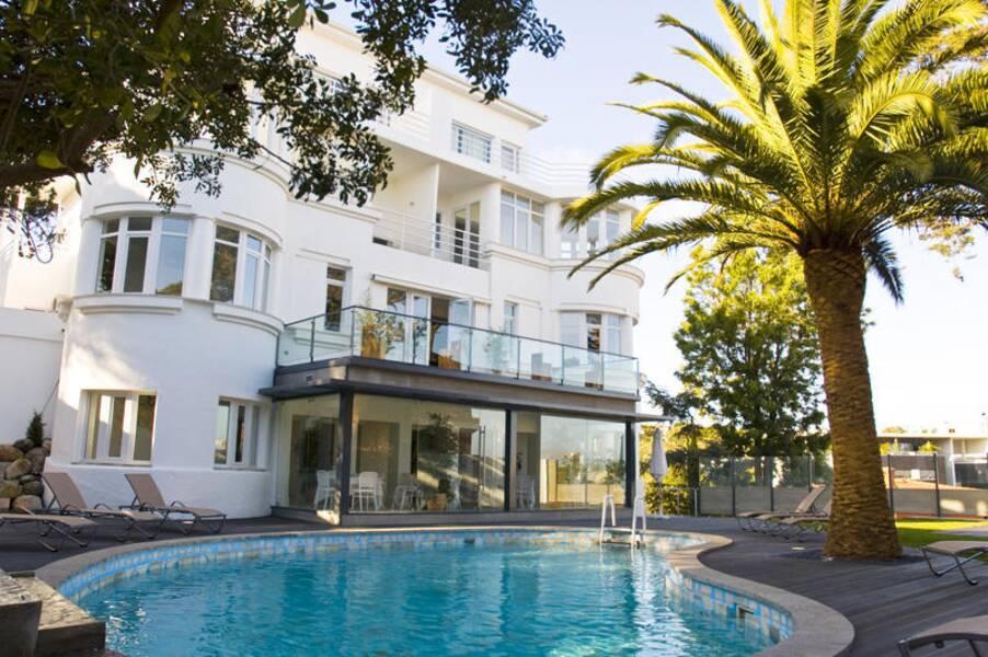 amazonia estoril hotel estoril costa de lisboa on the beach. Black Bedroom Furniture Sets. Home Design Ideas