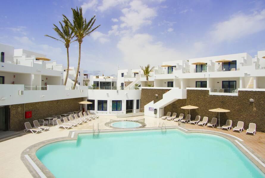 Aqua suites lanzarote puerto del carmen lanzarote on the beach - Port del carmen lanzarote ...