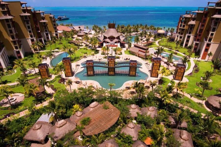 Pool Villa In Cancun