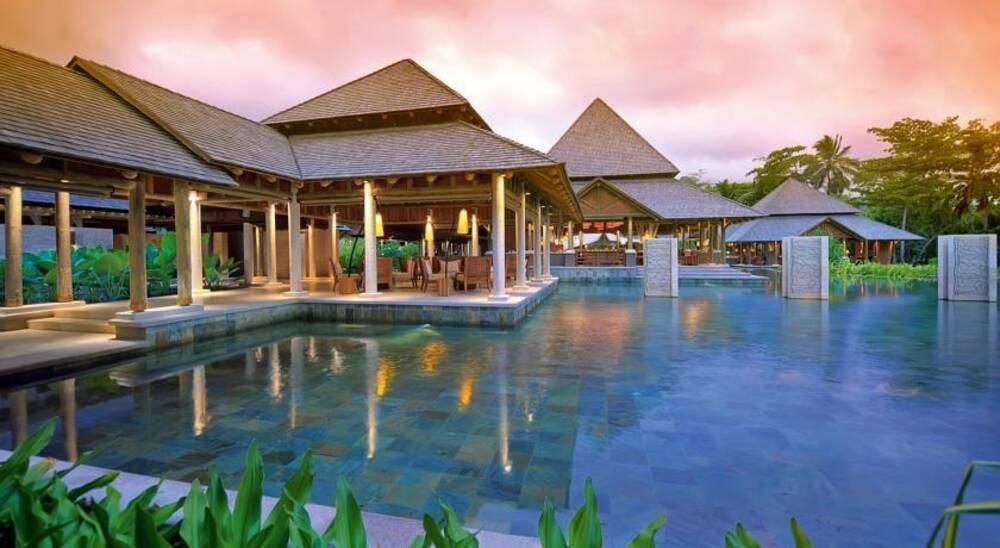 constance ephelia mahe island seychelles on the beach. Black Bedroom Furniture Sets. Home Design Ideas