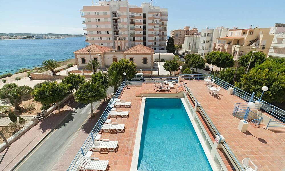 Hotel don pepe adults only san antonio ibiza on the - Hotel apartamentos el puerto ibiza ...
