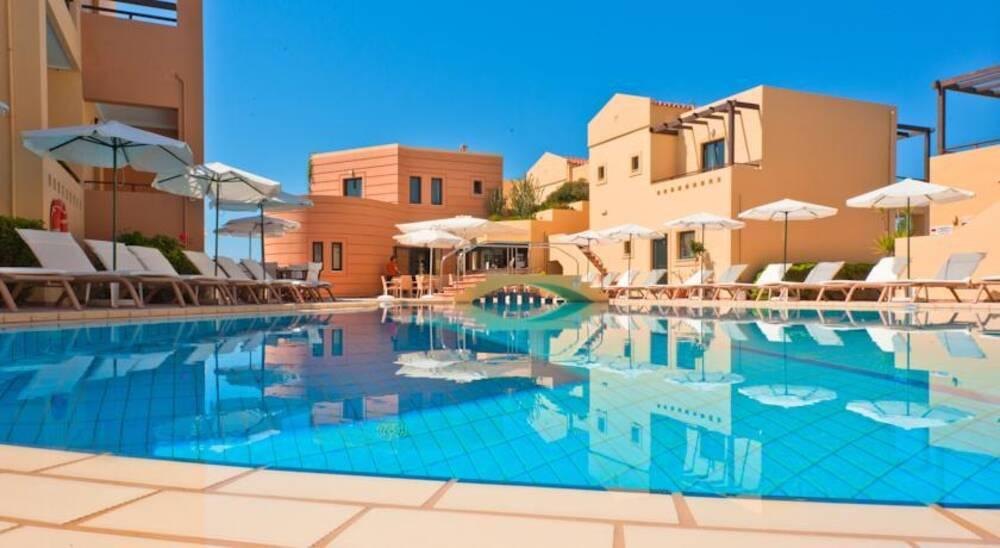 Крит отель бич