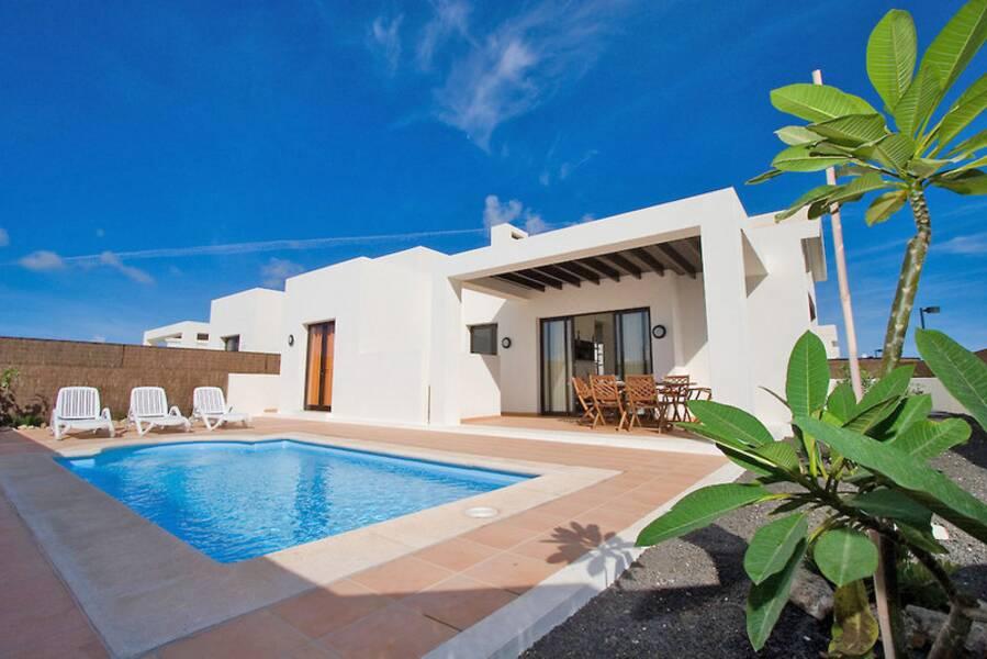Las buganvillas villas playa blanca lanzarote - Apartamentos paradise island lanzarote ...