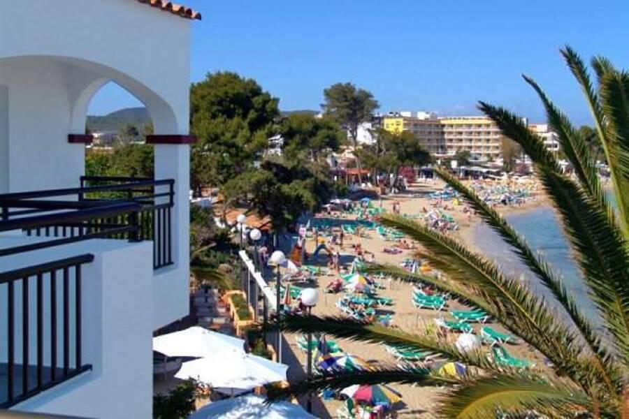 Es Cana Playa Es Cana Ibiza On The Beach