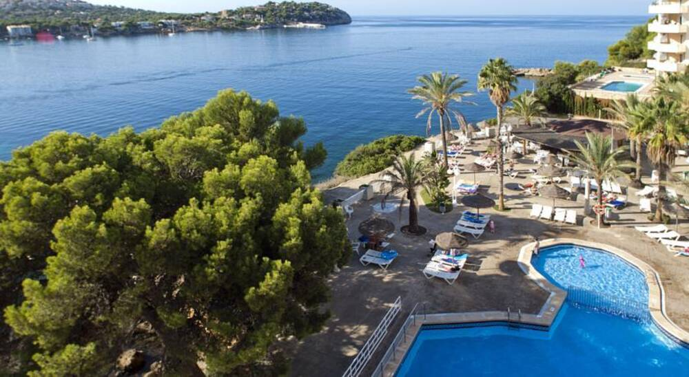 Trh jardin del mar santa ponsa majorca on the beach for Bistro del jardin mallorca