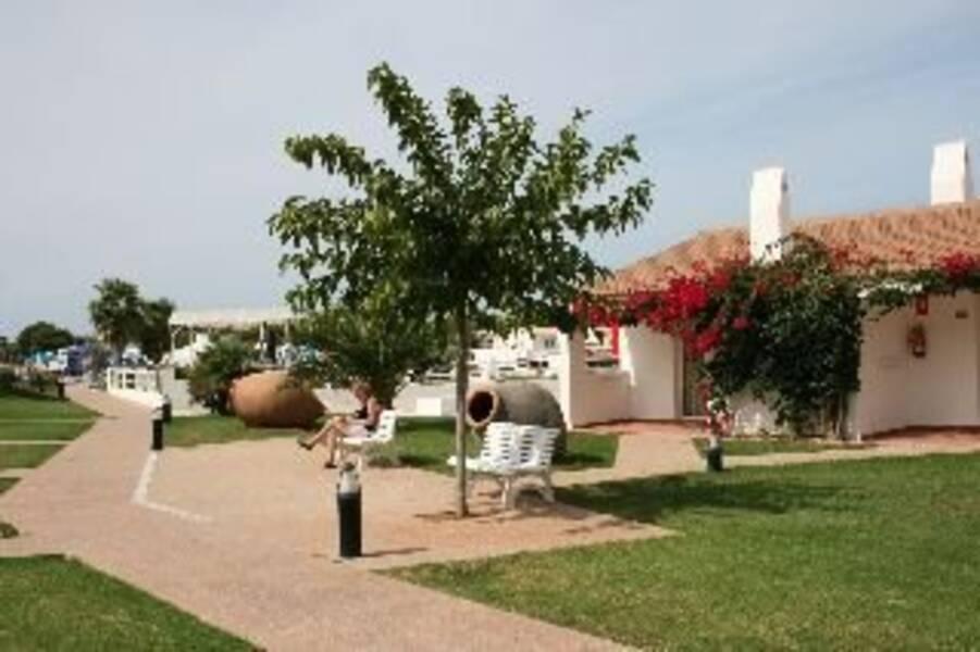 Casas del lago hotel beach club cala n bosch menorca - Casa menorca barcelona ...