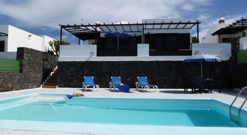 Villa don rafael puerto del carmen lanzarote on the beach - Port del carmen lanzarote ...