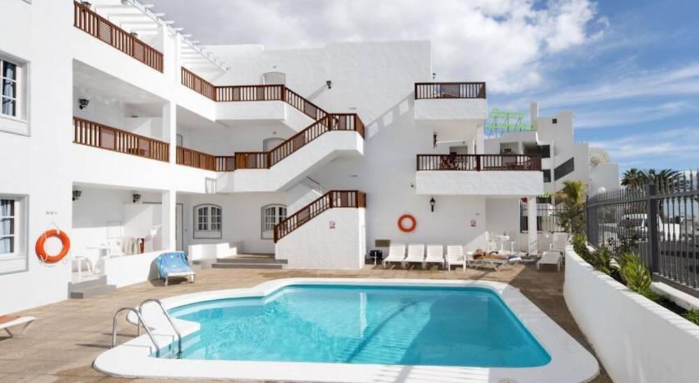 Vista Mar Apartments - Puerto Del Carmen, Lanzarote | On ...
