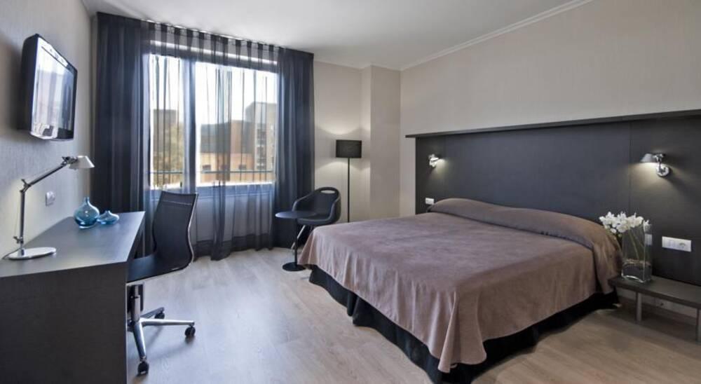 alimara barcelona barcelona on the beach. Black Bedroom Furniture Sets. Home Design Ideas