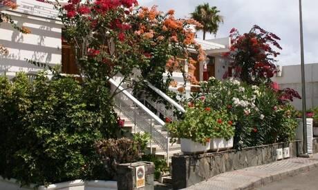 Cheap holidays to maspalomas on the beach for Jardin gardens apartments las vegas