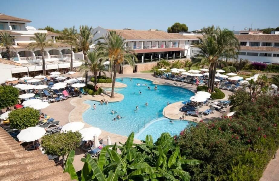 Beach Club Font De Sa Cala Mallorca