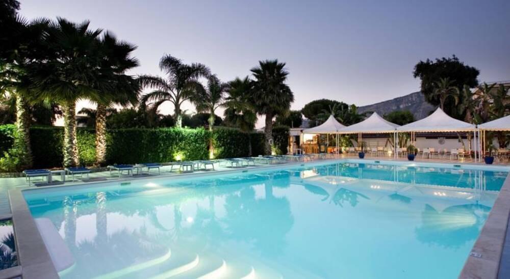 Hotel Riviera St Susanna
