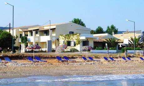 Beachfront-salvanos-apartments